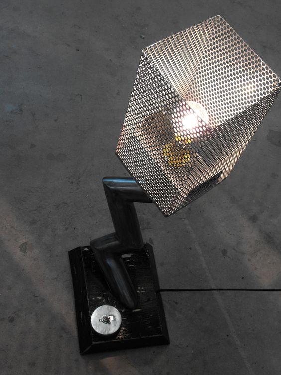 lampe a la courbe industrielle lampe style industriel en acier abat jour en galva alv ol. Black Bedroom Furniture Sets. Home Design Ideas