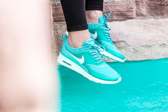 ***RESTOCK ANNOUNCE***  Girls, the Nike Air Max Thea is back! EU 36,5 - 43 | 120,-€