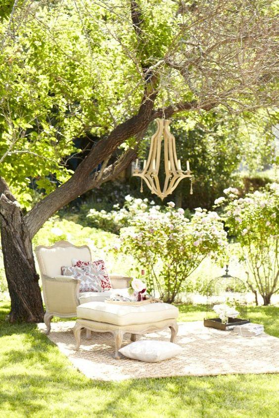 23 idées de lustre de charme pour votre jardin