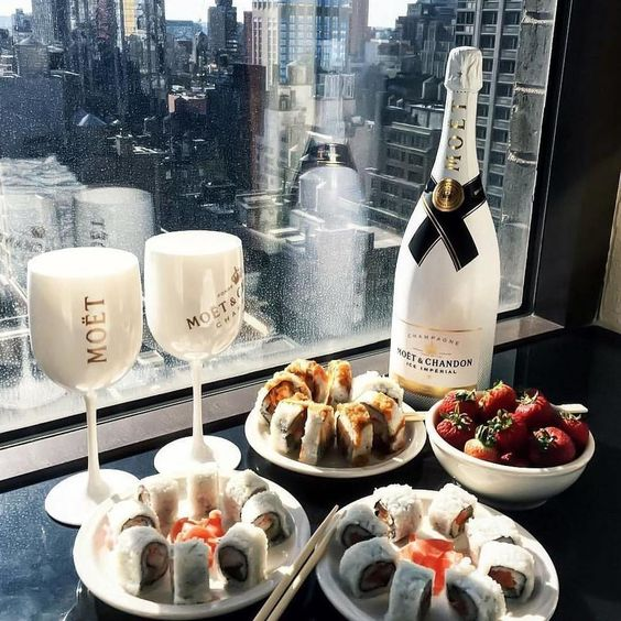 Do you like sushi? 🍷 Ice Impèrial | Moët & Chandon