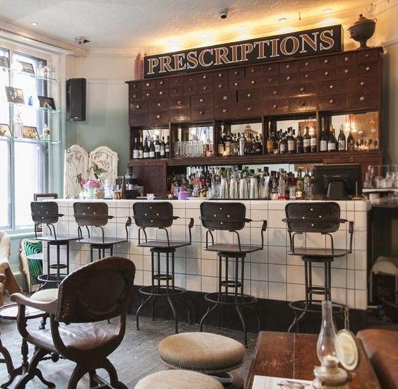 https://i.pinimg.com/564x/ca/61/59/ca61592d2c573a36562dfd59a0ffd14e--restaurant-bar-design-restaurant-interiors.jpg