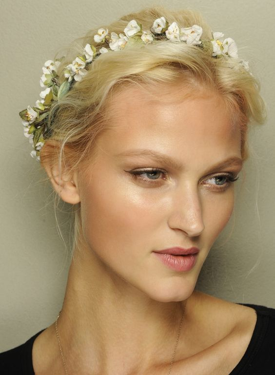 Spring-summer-2014-hairstyles-trends-from-Dolce-and-Gabbana-fashion-show-02 - Google keresés