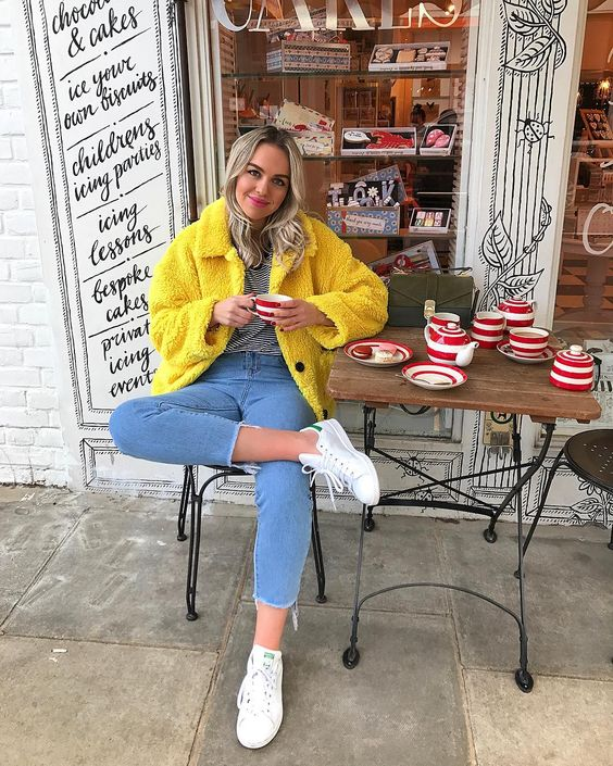 Yellow teddy coat - Ellie / The Elle Next Door (@ellenextdoor) on Instagram