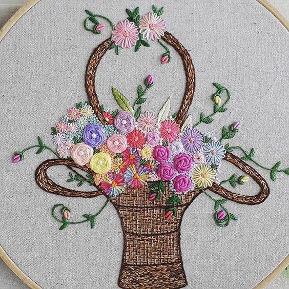 """""""꽃바구니""""완성이요~ 내일이면 떠나보낼 아이랍니다~~ #프랑스자수 #embroidery"""