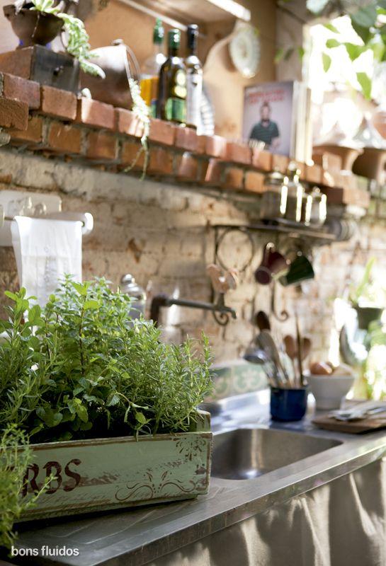 112 plantas jardim mediterraneoOutdoor Kitchen Herb Garden