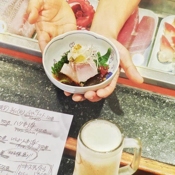 #ハマチ #炙り#ぽんず #hamachi #aburi #ponzu #SAKENOMISE #japanesefood #inbkk #silom #thaniya #sushibkk by ryojiishii