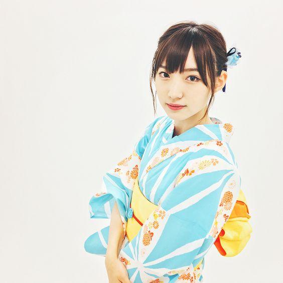 水色の浴衣を着た太田夢莉