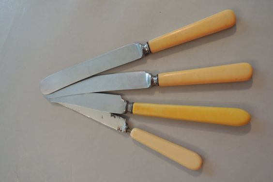 Lot of 4 Bone-Color Knives Flatware by BlueBarnCollectibles