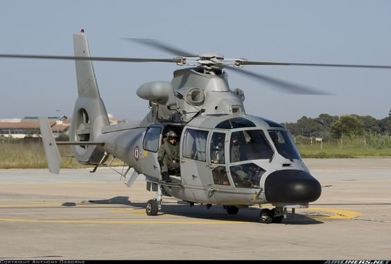 Aviones Caza y de Ataque: Eurocopter AS565 Panther   Papel  Utilidad militar y helicóptero asalto armado origen nacional Francia Fabricante  Aérospatiale Eurocopter Airbus Helicópteros Primer vuelo 29 de febrero 1984 Estado Operativa en la producción Los usuarios primarios  Brasil Francia Producido 1984-presente