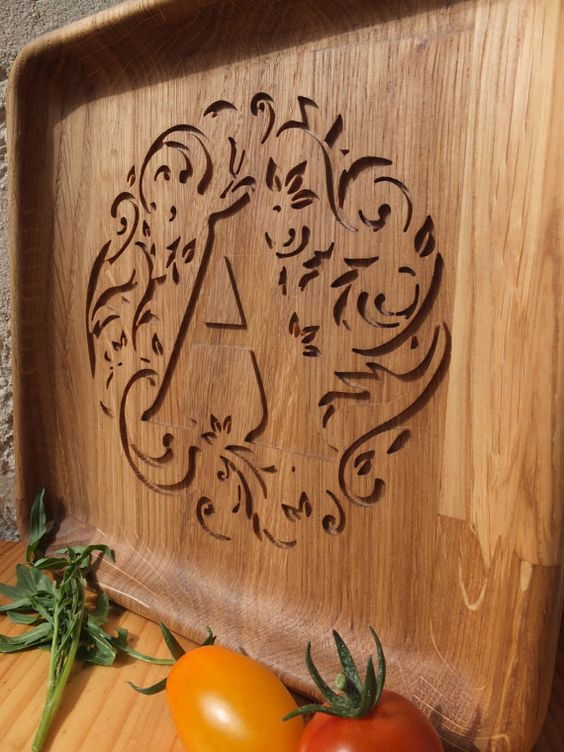 Personalized Wood Oak Custom Engraved Plate by WoodCarvingsStore