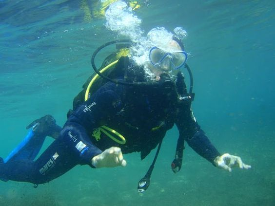 see our great range of speciality #diving courses via our toolbar on our new website> http://greenwichdiving.com