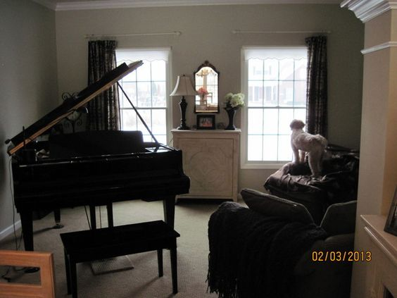 Home home decorating and small living rooms on pinterest for Grand piano in living room