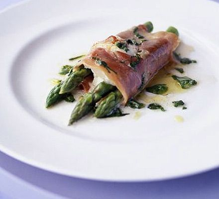 This starter is a total winner. Takes almost no time to prepare and is destined to please any dinner guest. It looks beautiful and sophisticated, and it's amazingly delicious AND healthy.