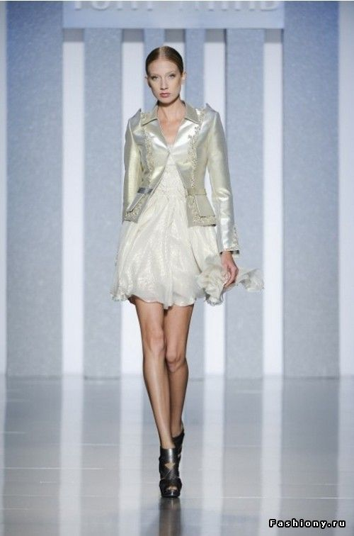 Tony Ward Haute Couture fall-winter  2012-2013