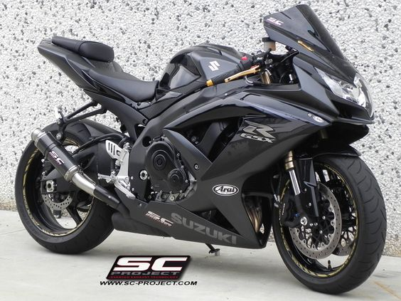 Suzuki GSXR 750; the all black and charcoal is gorgeous