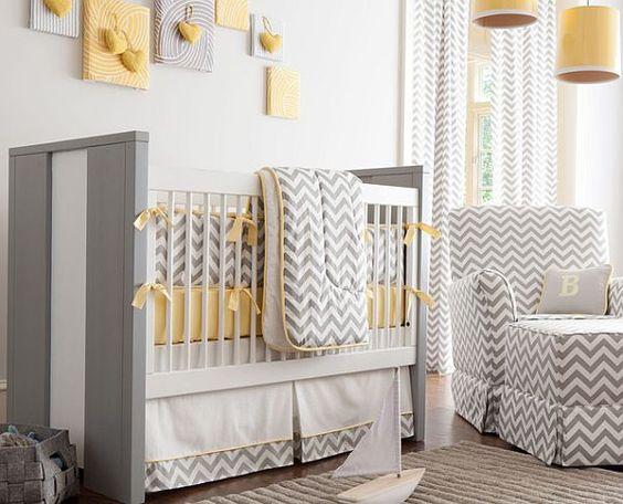 babybett-pendelleuchte-sesselstuhl-bilder