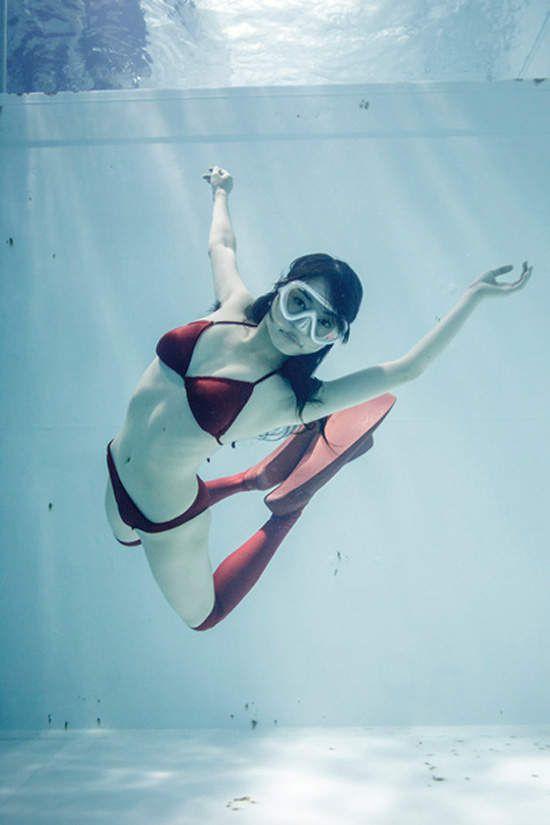 古賀學《水中絕對領域寫真》第二彈~美感滿點(〃°ω°〃)♡