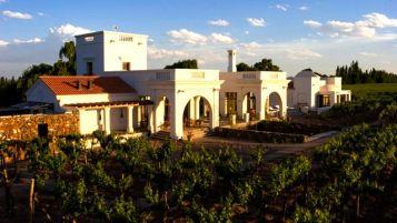 Conoce uno de los mejores hoteles del 2014… Cavas Wine Lodge.