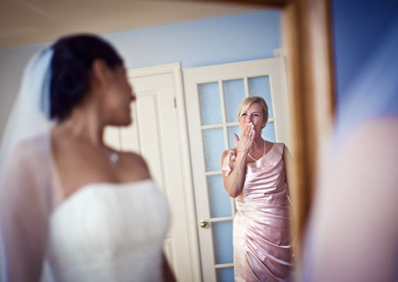 http://www.lindsaymuciyphotography.com/ #BrideAndMother #Kiss #MontrealWedding