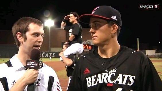 US Sports | Video: Baseball team raise photobombing to an artform