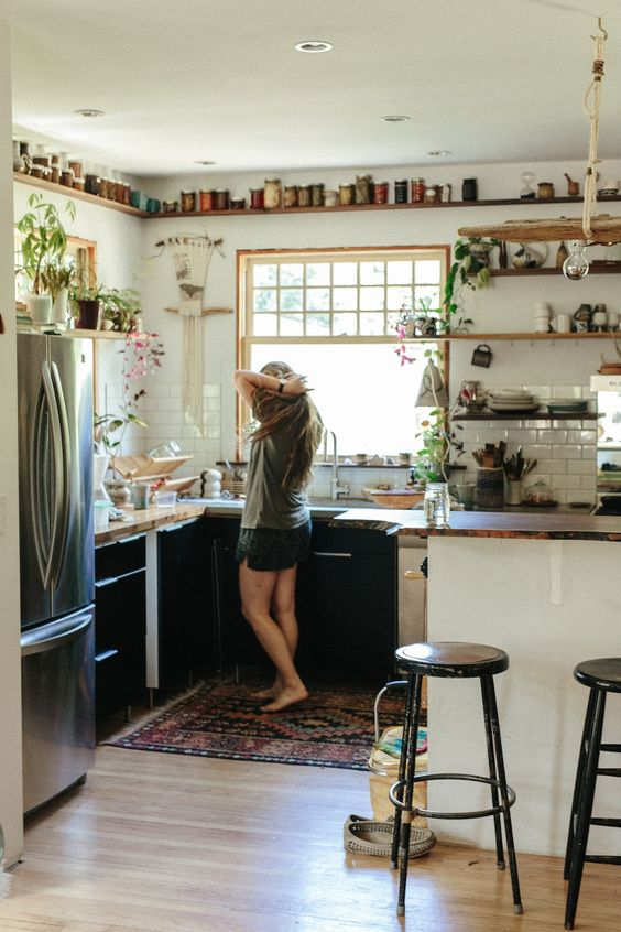 This is one of the best apartment hacks for your first apartment!