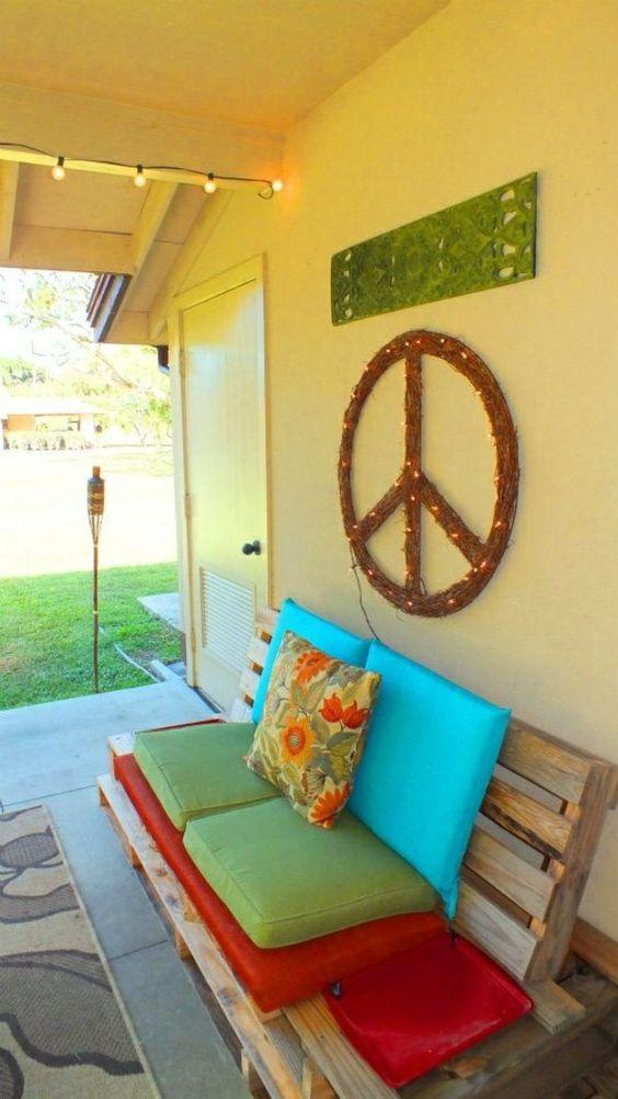 terrassengestaltung diy gartenmöbel sofa aus paletten farbig