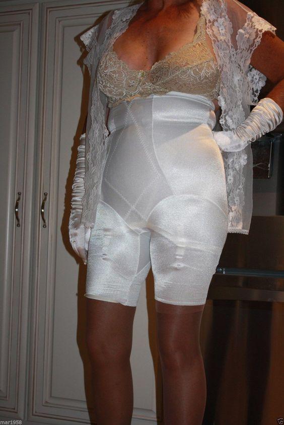 Amateur in sweatpants woman
