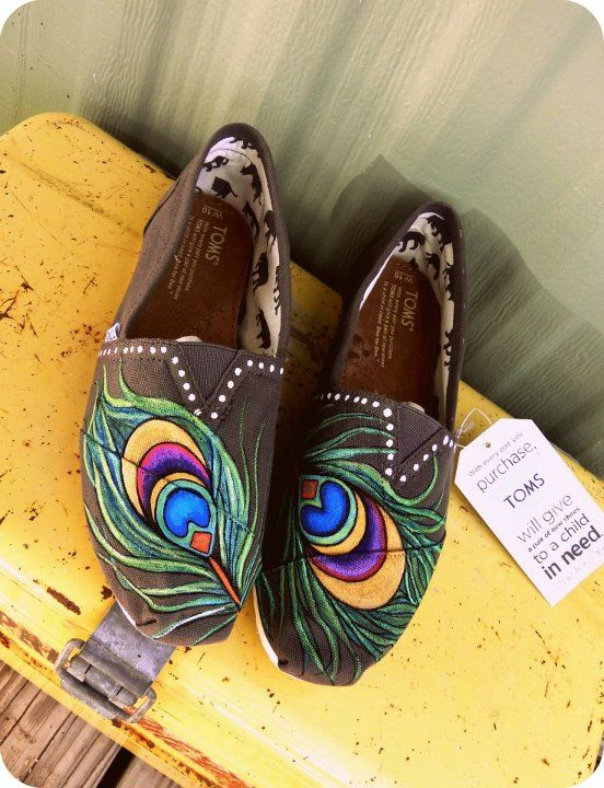 peacock feathers toms shoes