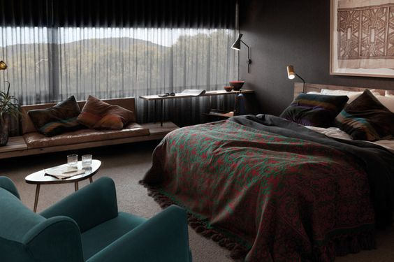 lounge and bedspread