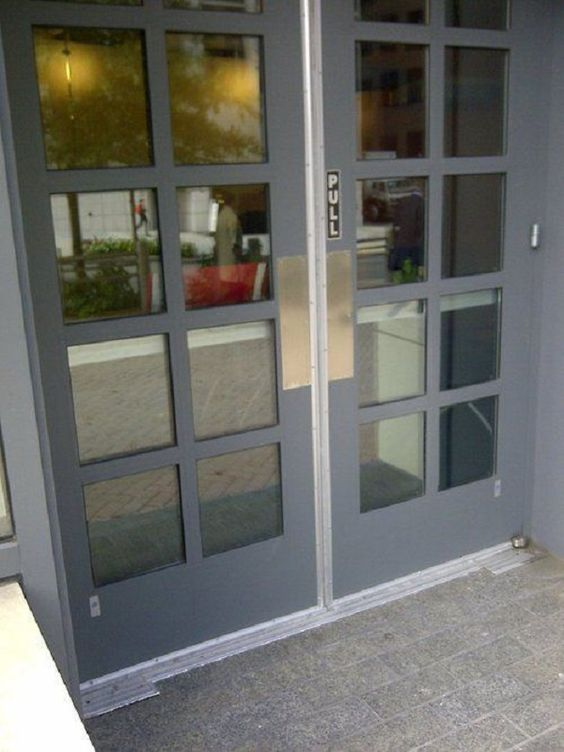 The Door Designed To Confuse People! http://techmash.co.uk/2014/01/30/the-door-designed-to-confuse-people/