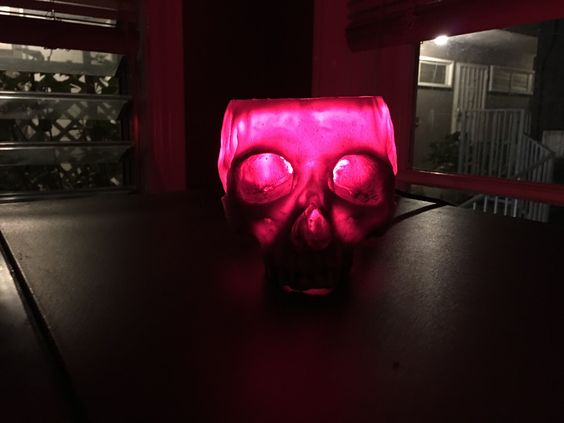 iGearz Steampunk Skull Lamp - Red Bulb Version.