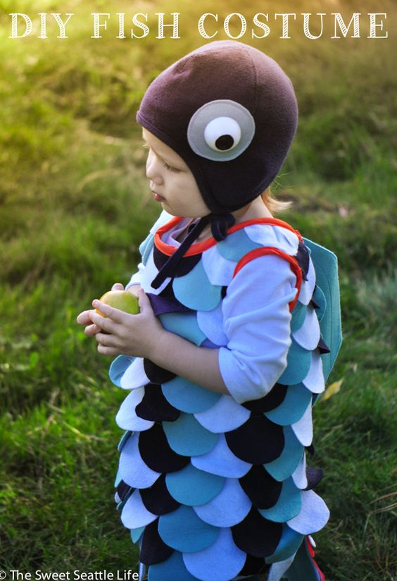 Diy fish costume tutorial for kids and toddlers i made for Rainbow fish costume