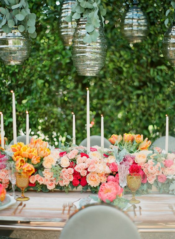 lush floral centerpiece runner #tablescapes #centerpieces #flowers: