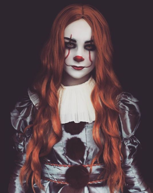Pennywise Cosplay Girl By Linda Tiesel Pennywise Girl Costume