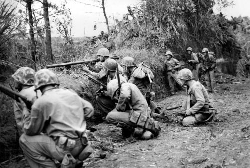 US Marines in action on Okinawa, 1945.Source: http://imgur.com/L8z74AN
