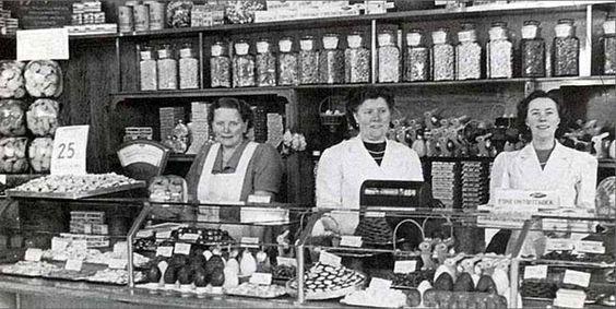 Jamin-winkel, hoek van de Vierambachtstraat en Van der Palmstraat