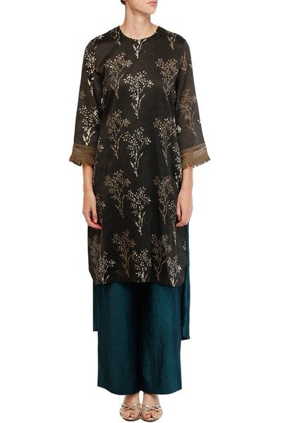 Brown bagru print high-low tunic with teal pants.  #Carma #carmadesigns #fashion #Shopitatcarma #Luxuryfashion #Style #Shopnow #Onlineshopping #Popup #Bridal #Bridesfashion #Bollywoodfashion #bollywood #Celebritystyle #Pinyourfavorite #trendingnow #latest #indiandesigner #Indianwear #neetalulla #Brown #Kurtaset #Pants #Teal #Cocktail #partywear #exclusive