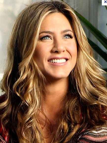 Jennifer Aniston forever hair icon! PERFECT hair