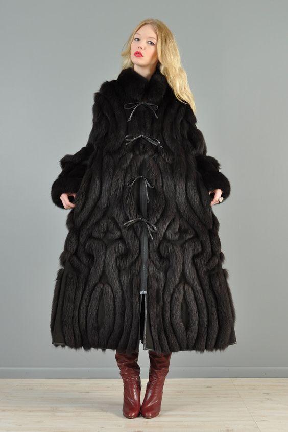 bustown_modern_vintage_black_avant_garde_fox_fur_swirl_leather_reversible_coat_2_1024x1024.jpg 667×1,000 pixels