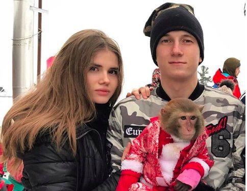 Aleksandr Golovin mit entspannter, Freundin Angelina Vaschenko