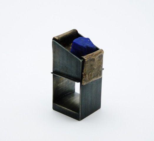 Lluis Comin - Ring: Reconstruccions 4. Silver, bronze and lapis lazuli. 44 x 25 x 24 cm. 2016: