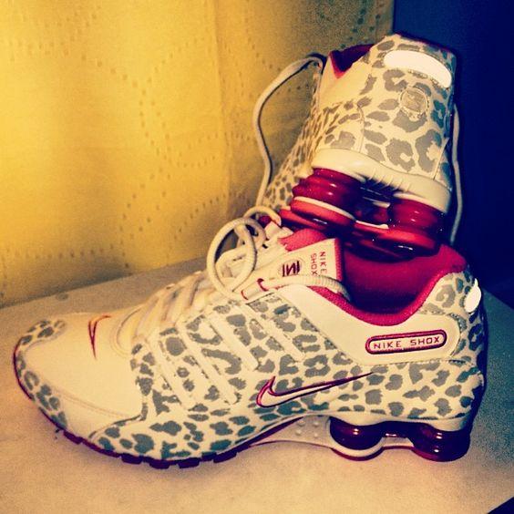 I want a pair of cheetah print Nikes!♥♥