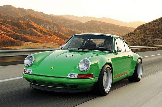 Porsche 911 by Singer
