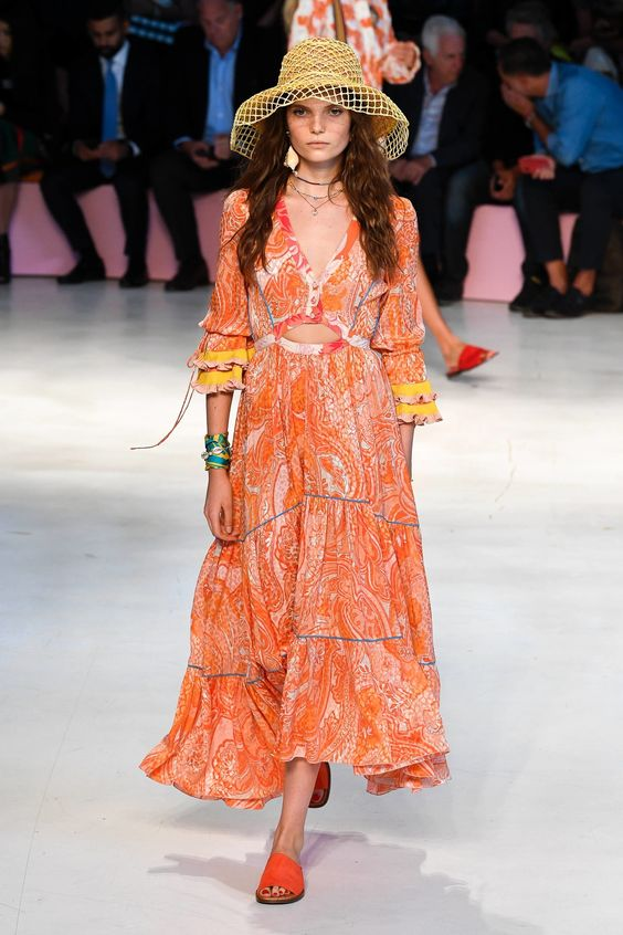 Living Coral Is the Pantone Color of the Year—Here's How to Wear It #Spring2019 #PantoneColorOfYear #Etro