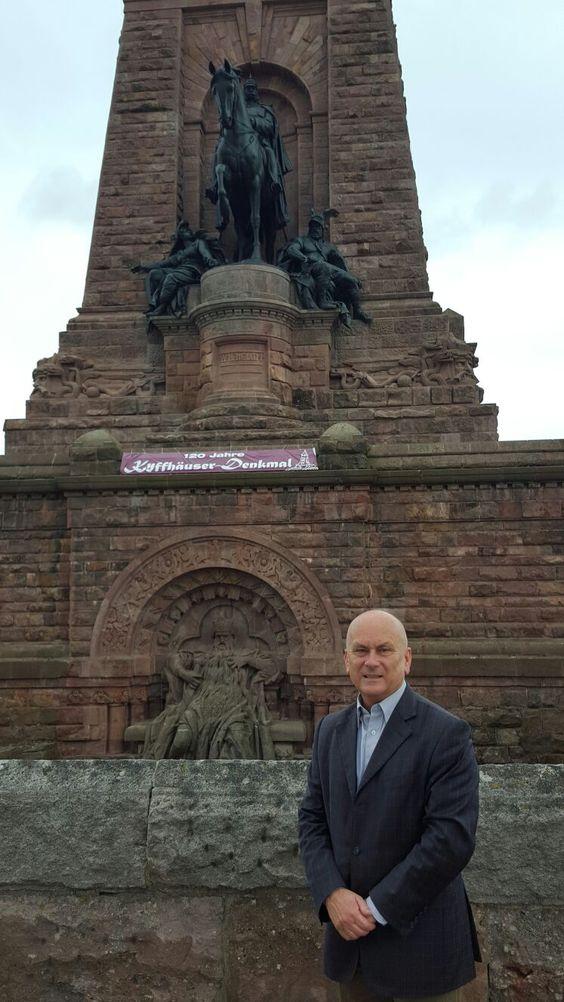 Thüringens größtes Denkmal feiert Geburtstag: 1896 wurde das Kaiser-Wilhelm-Nationaldenkmal auf dem Kyffhäuser als Dank für die Reichseinigung 1871 durch Wilhelm I. – preußischer König und deutscher Kaiser - nach sechsjähriger Bauzeit fertiggestellt. Heute fand der Festakt statt.
