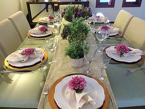 A primeira dúvida de uma noiva, ou quase noiva, é como organizar um jantar de noivado. Preciso deixar avisado que depois desse momento outras milhões de
