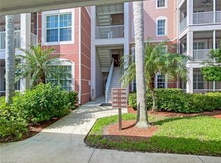 11711 Pasetto Ln Apt 105 Fort Myers Fl 33908 Mls 220049811 Zillow Fort Myers Community Pool Majestic Palm
