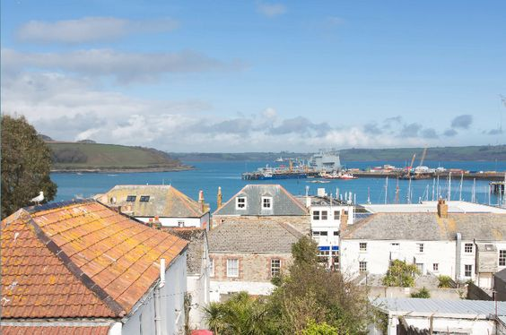 A newly refurbished house with amazing views across Falmouth harbour, sleeping up to 4 in two luxury bedrooms with WiFi and wood-burning stove.