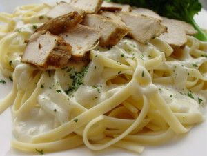Charlie's Chicken Fettuccine Alfredo Recipe (from Shades of Blue)  SO good!!