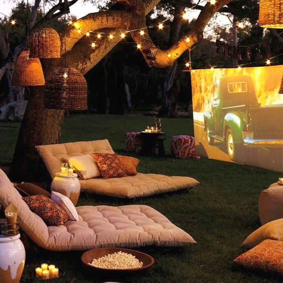 This looks like a dream. A wonderful dream. Except with 'The Notebook', and an extra large cushiony seat to share!!! :)